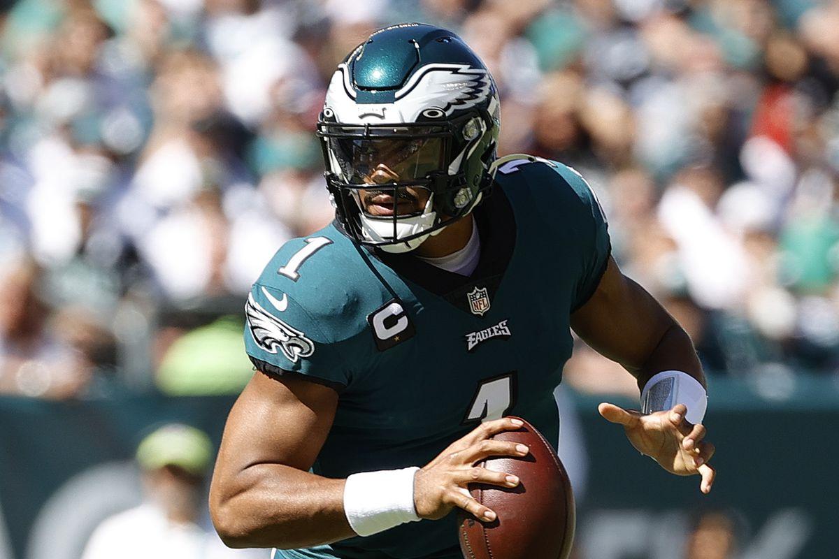 NFL 2021-22 Daily Fantasy Tips: Cowboys v Eagles